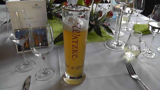 Hausbräu im Ballhaus Watzke: Table setting and the excellent beer.
