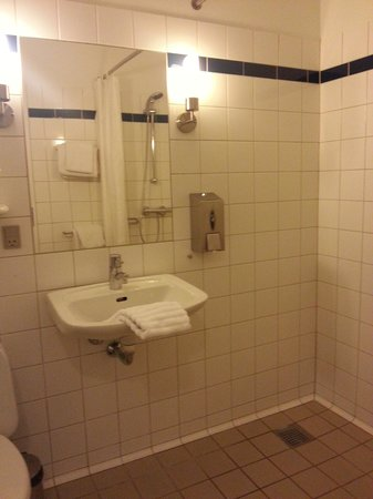 BEST WESTERN Torvehallerne: Spacious bathroom