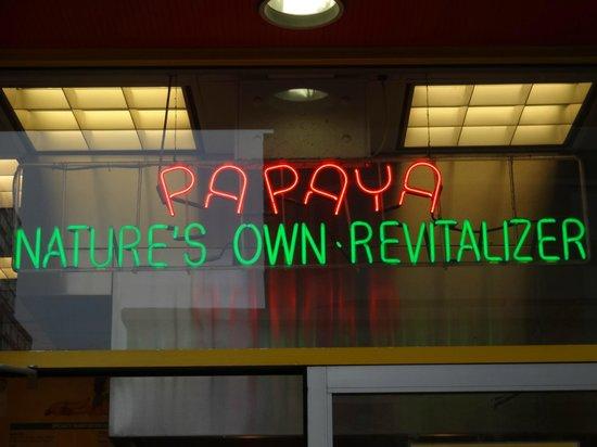 Papaya King: Great neon
