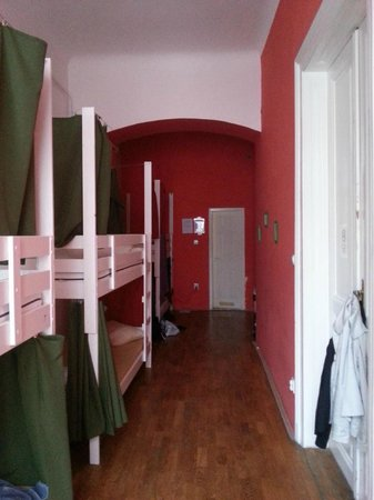 Your Mom's Hostel : room