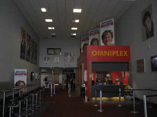 Carrickfergus Omniplex: Lobby