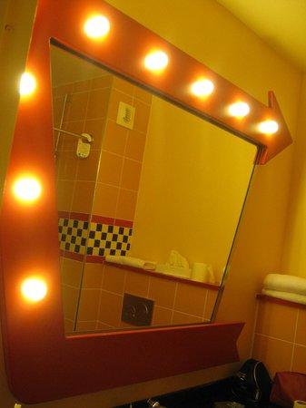Disney's Hotel Santa Fe: Specchio
