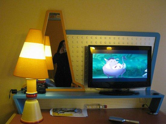 Disney's Hotel Santa Fe: televisione