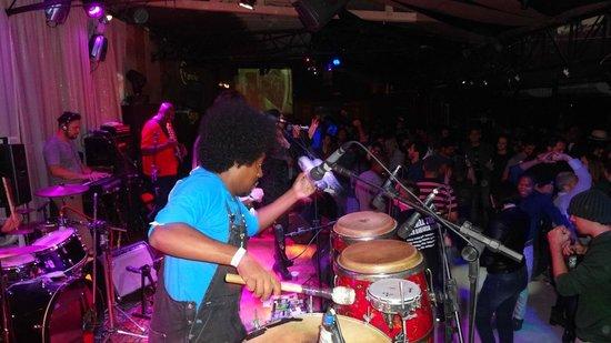 Grazie a Dio!: Banda Sambasonics 10 de maio de 2014