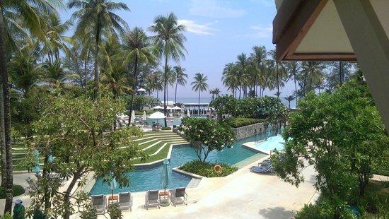 Outrigger Laguna Phuket Beach Resort: POOL AREA