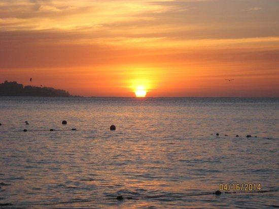 Cabo Villas Beach Resort : Sunrise
