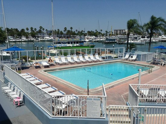 Sea Captain Resort on the Bay: Their pool