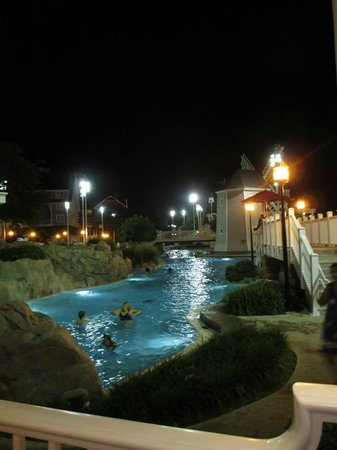 Disney's Beach Club Resort: Was great to take a dip at night under the moon
