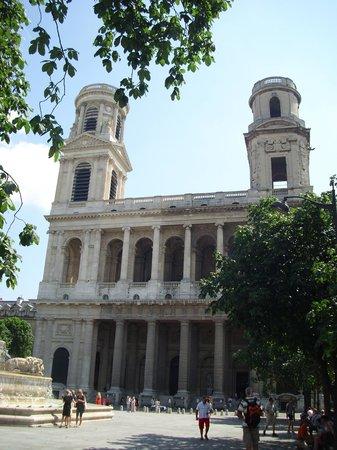 Church of St. Sulpice (Eglise de St-Sulpice): Fachada.