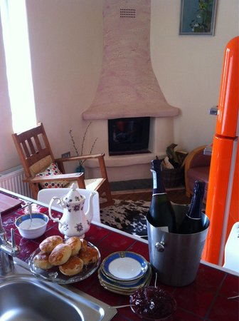 Lower Barns Boutique B&B: Afternoon tea at Lower Barns #Cornishbreaks