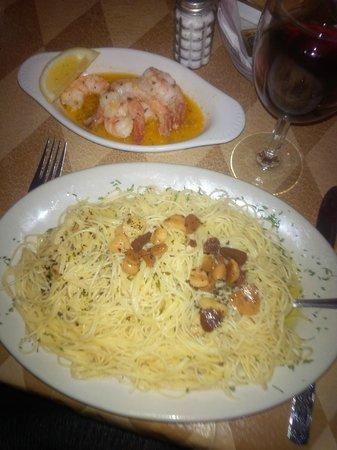 Luigi's Ristorante & Catering: Olio y Aglio with shrimp