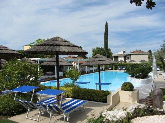 Hotel Olivi Thermae & Natural Spa: Hotel Outside (heated) pool