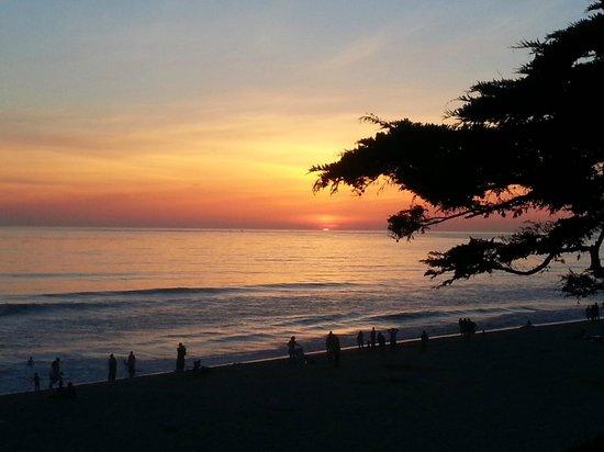 Carlsbad Inn Beach Resort: Best Sunsets. They are amzing!!!
