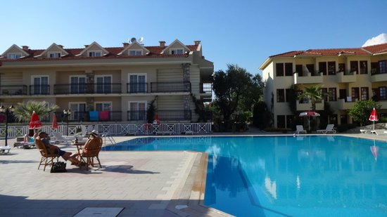 Celay Hotel: Great pool area