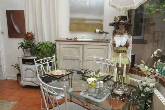 La Maison d'Hocquincourt : The breakfast / dining room
