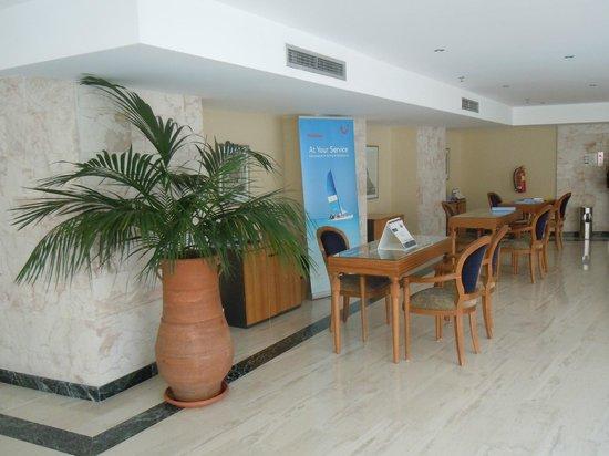 Atlantica Imperial Resort & Spa: Reps area