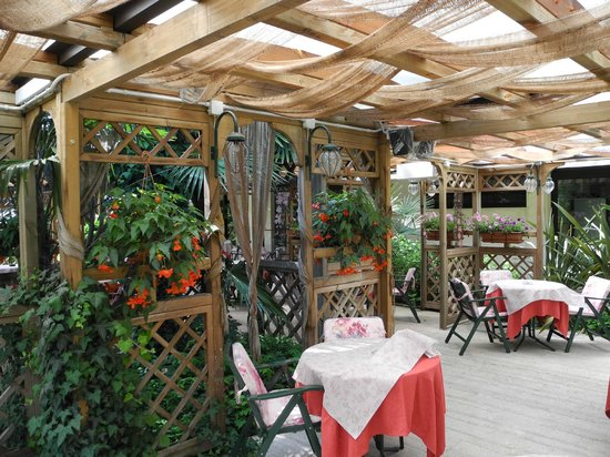 Hotel Terme Orvieto: Esterno bar estivo