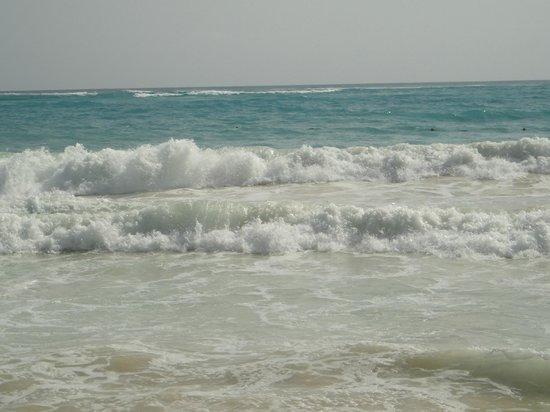 Paradisus Punta Cana Resort: Large waves but so much fun