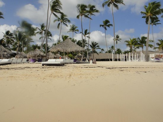 Paradisus Punta Cana: View from the sea to Royal Service area of beach