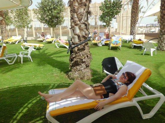 Lot Spa Hotel: возле бассейна