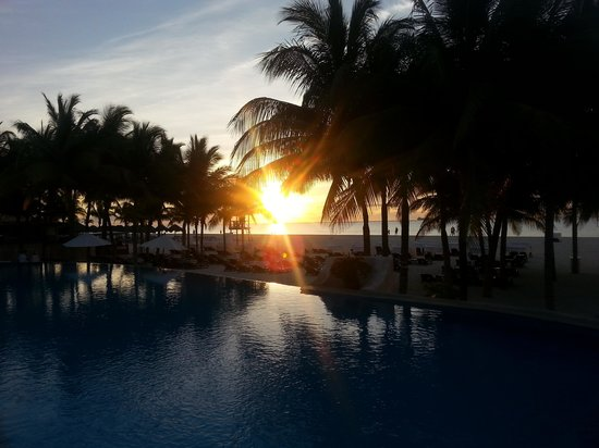 Royal Hideaway Playacar: sunrise