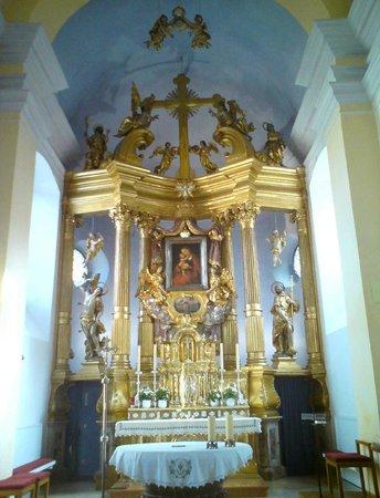 Wallfahrtskirche und Paulinerkloster Mariahilf: Hauptaltar.