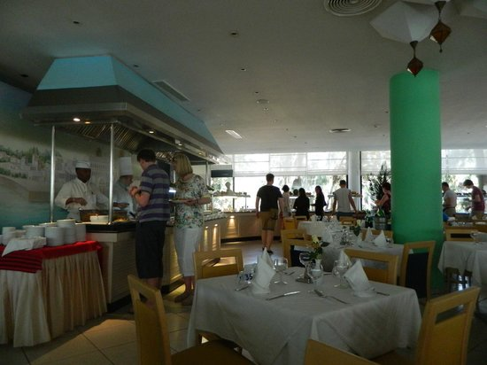 SENTIDO Phenicia : Main dining area