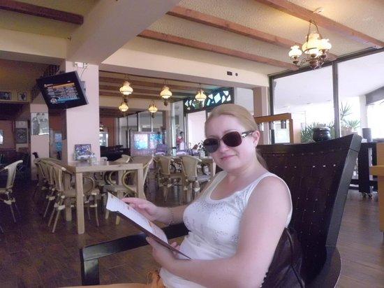 Lot Spa Hotel: ресторан возле бассейна