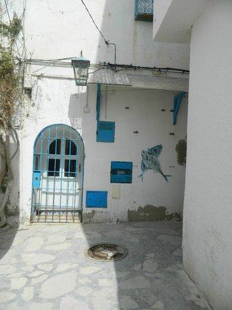 SENTIDO Phenicia: Old Hammamet - 40 minute walk on the beach or shorter taxi ride. Beautiful old Medina