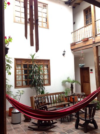 Casa Platypus: Central courtyard (with hammocks).