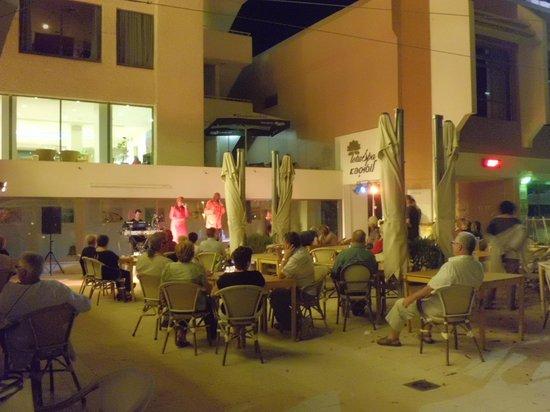 Lot Spa Hotel: вечерний концерт