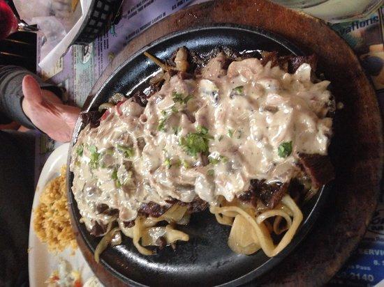 Los Comales Mexican Restaurant: Fajitas
