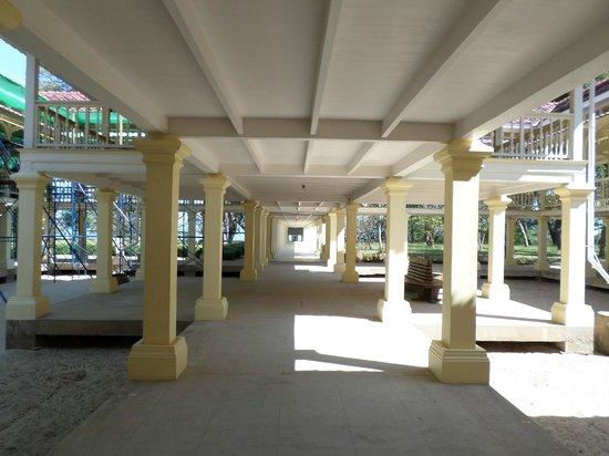 Mrigadayavan Palace: corridor to the sea ... beautifully restored