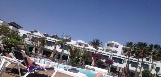 Lomo Blanco Apartments: Main pool