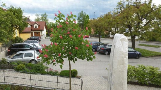 Hattenhofen, Duitsland: Parkplatz