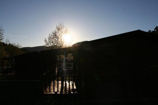 Cabanas de Javalambre: puesta de sol en las cabañas