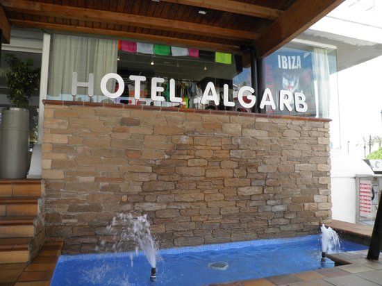 The New Algarb Hotel: entrata hotel