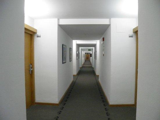 The New Algarb Hotel: corridoio