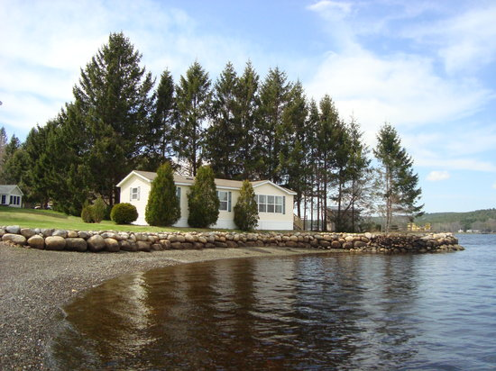 Lighthouse Motel: Two bedroom cottage available for weekly rental