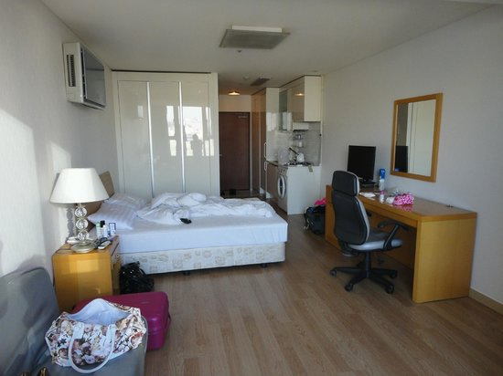 Hyundai Residence: Room