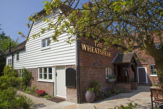 The Wheatsheaf at Bough Beech : Great garden