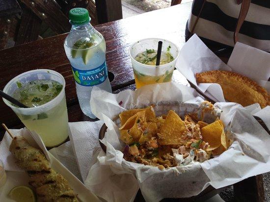 La Cambija: Mojitos, lionfish empanadillas, mahi skewers, seafood nachos