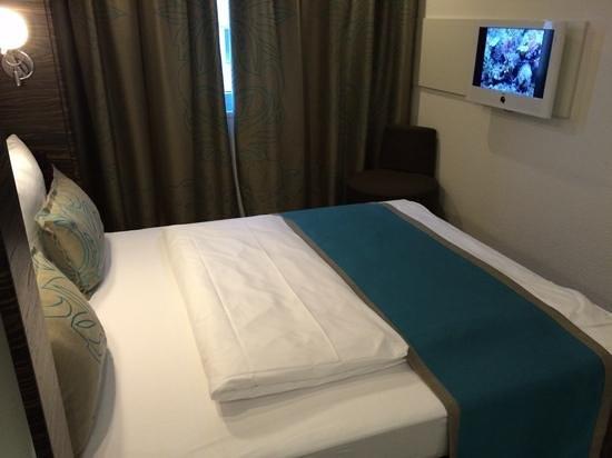 Motel One Frankfurt-Niederrad: Zimmer