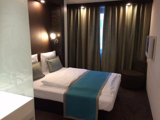 Zimmer bild von motel one frankfurt niederrad frankfurt for Business zimmer motel one