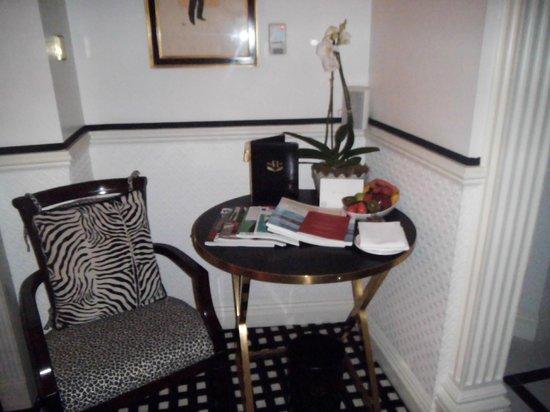 Hotel 41: Bedroom