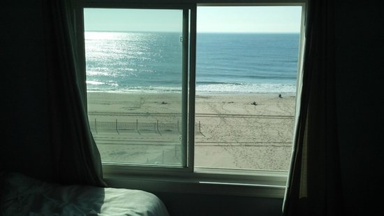 Beach Plaza Hotel: Amazing views from the Ocean View Rooms