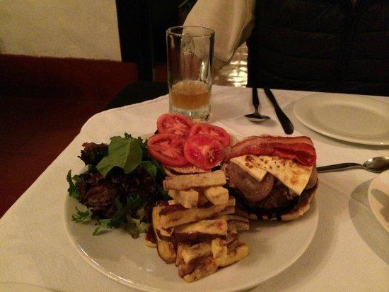 El Albergue Ollantaytambo : Alpaca Burger