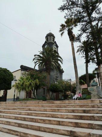 Iglesia de Nuestra Señora de la Peña de Francia: View of the church from the steps