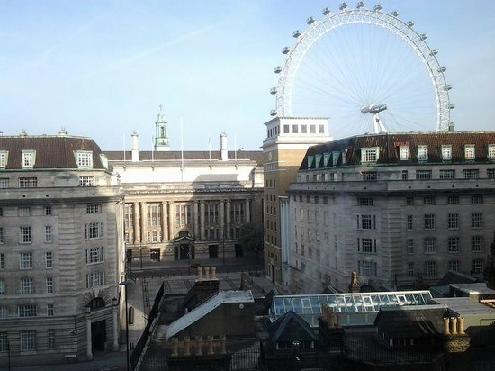 Park Plaza County Hall London: View from Room 628