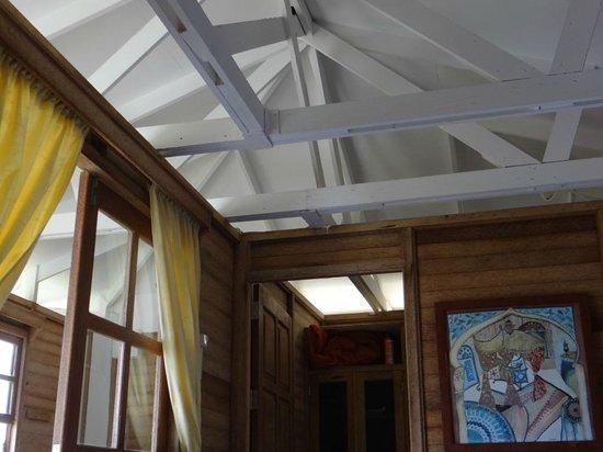 Statia Lodge: atenção, há uma abertura entre lado externo e interno. por isso o uso do mosqueteiro é imprecind